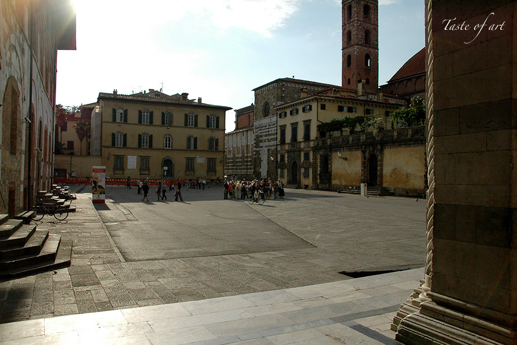 Taste of art - Lucca piazza duomo